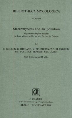 Macromycetes and Air Pollution