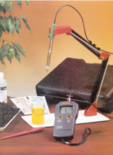 Hanna Electronic Soil pH Testing Kit