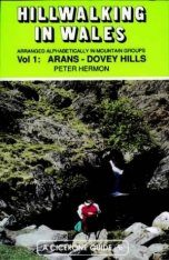 Cicerone Guide: Hillwalking in Wales, Volume 1: Arans - Dovey Hills