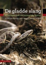 De Gladde Slang: Ervaringen met een Mysterieus Reptiel [The Smooth Snake: Encounters with a Mysterious Reptile]